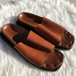 Anthropologie SZ 8.5 Naked Feet Leather Sandals
